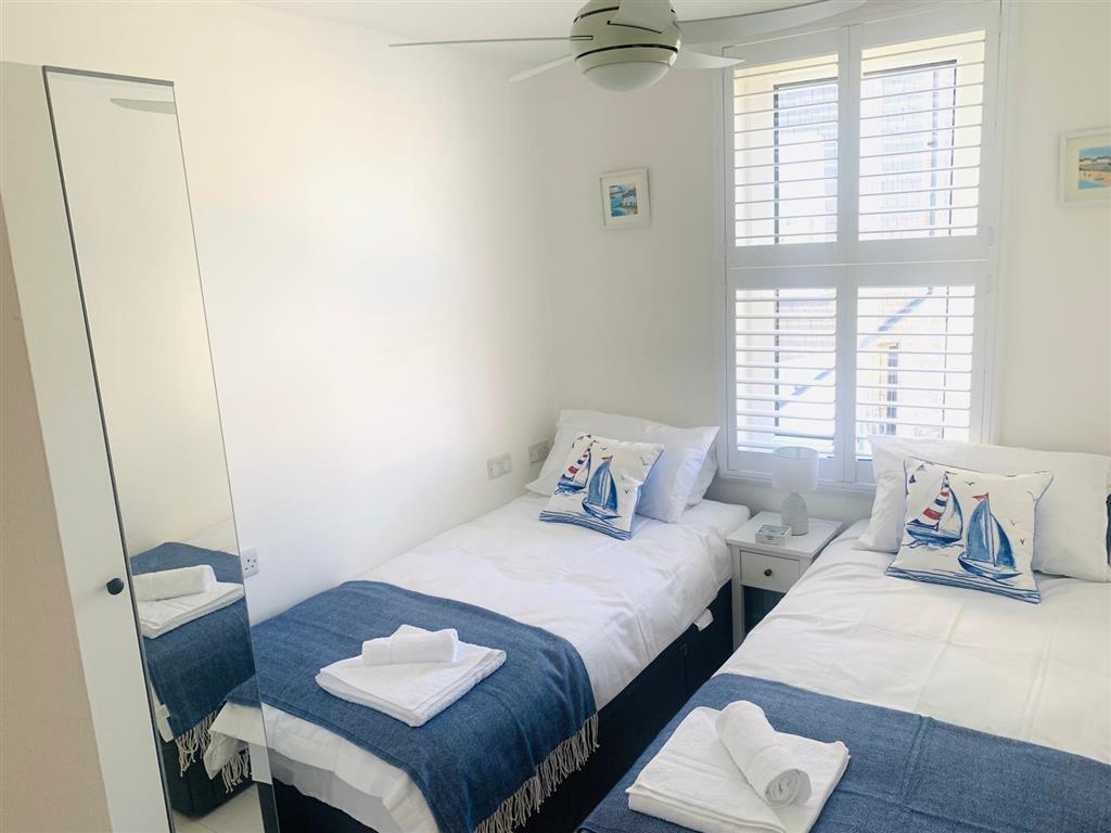 31) 4 Hazelbury House -  Bedroom 2