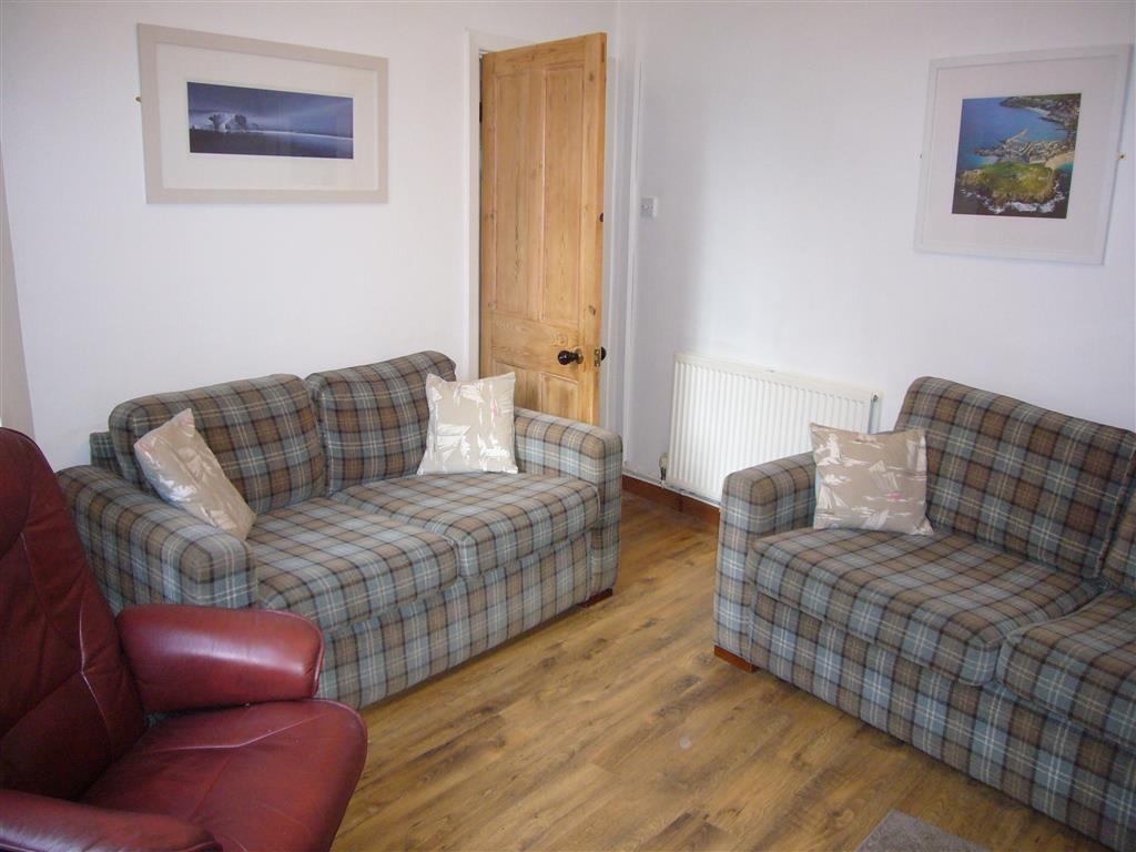 16) Jasmine Cottage -  Sitting room