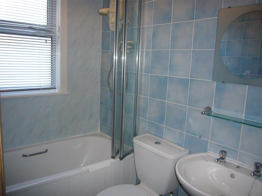 16) Jasmine Cottage -  Bathroom
