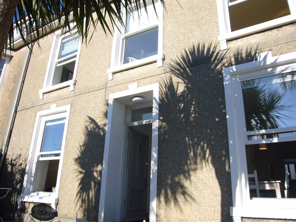 07) Porth House -  Front of house