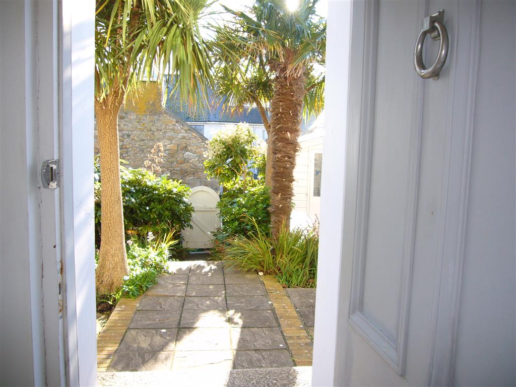 07) Porth House -  Front door