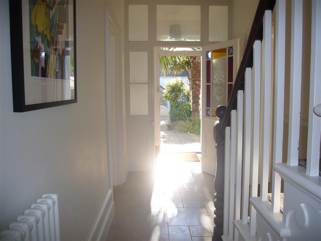 62) Porth Lite -  Hallway