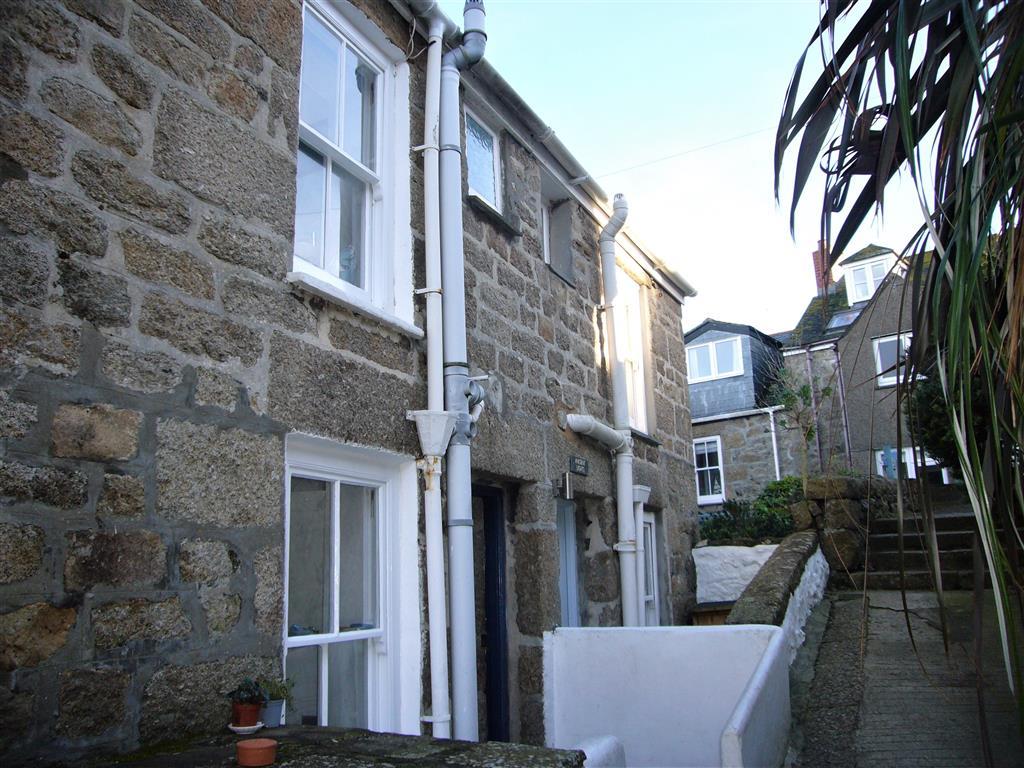 32) 2 Upper Meadow -  Bedroom 1