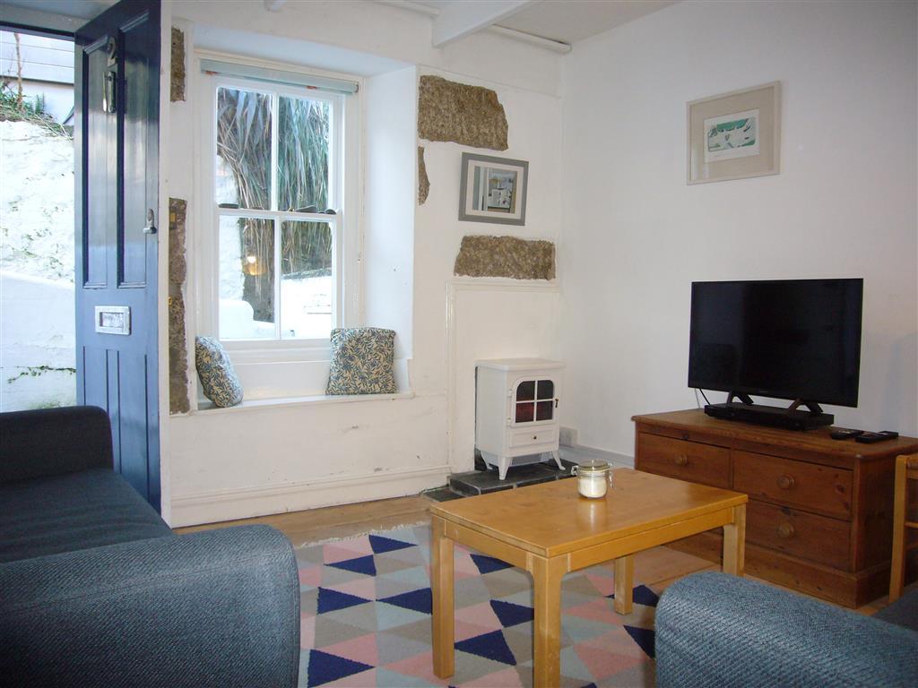 32) 2 Upper Meadow -  Sitting room