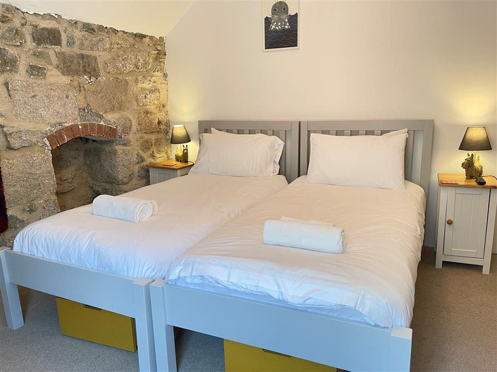 29) Sixpence Cottage -  Shower room off kitchen