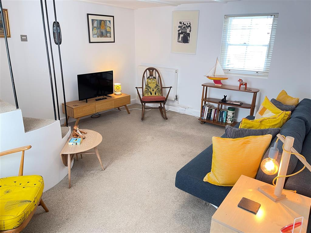 29) Sixpence Cottage -  Ensuite shower room