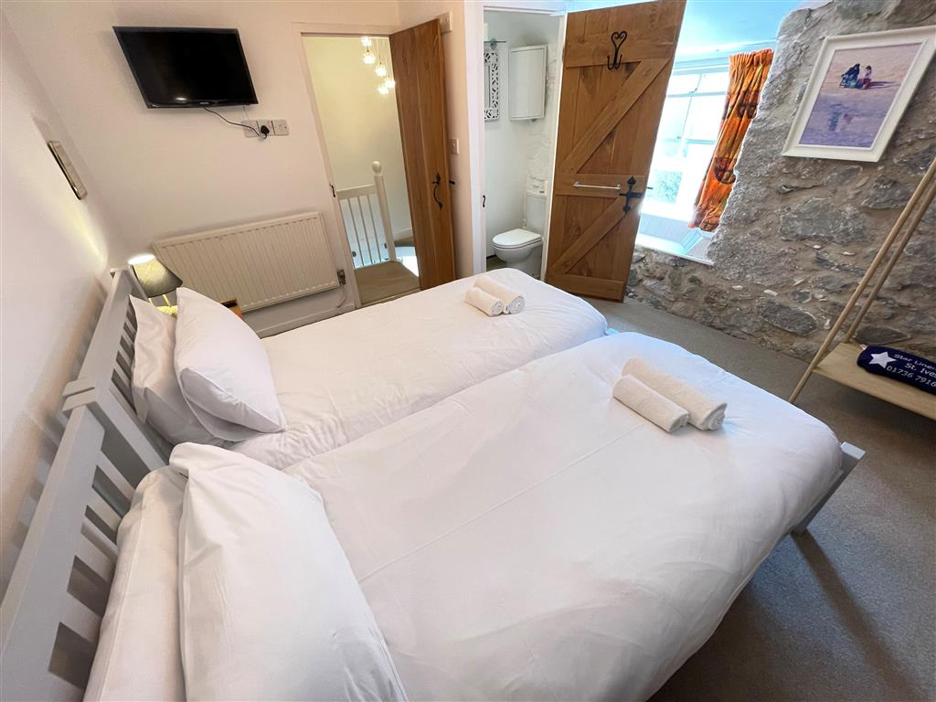 29) Sixpence Cottage -  Bedroom 2