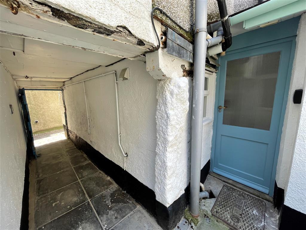 29) Sixpence Cottage -  Sitting room