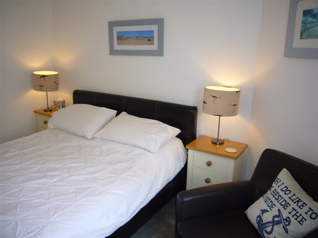 49) Stonesthrow -  Bedroom 2