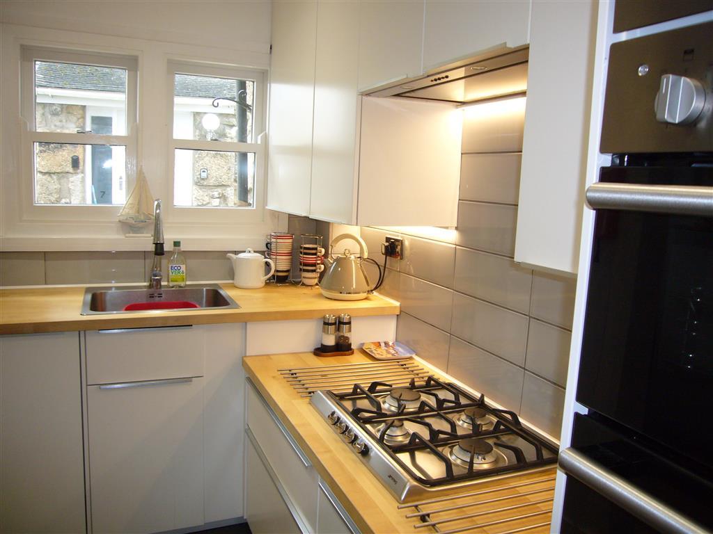 49) Stonesthrow -  Kitchen