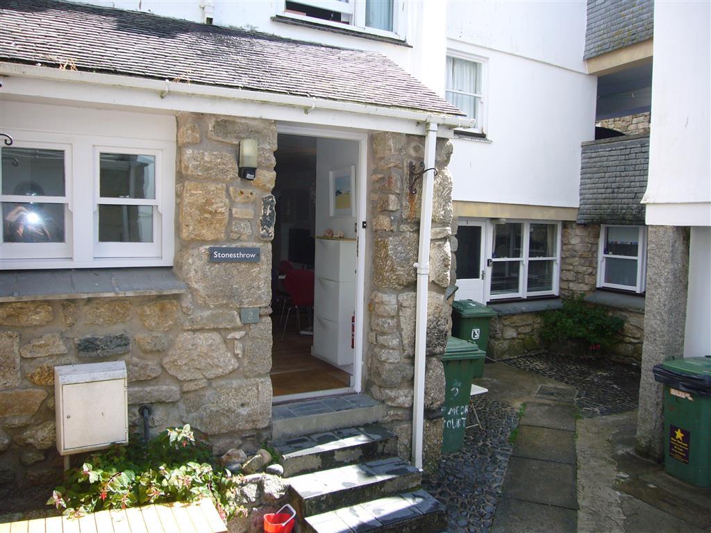 49) Stonesthrow -  Front door in Porthmeor Court