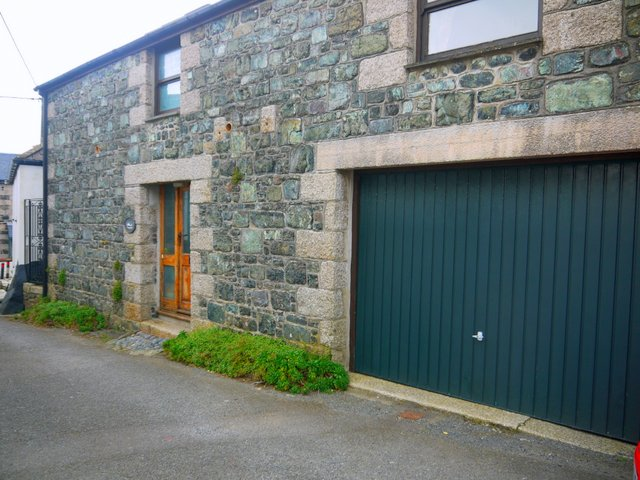 coachhouseoutside/cadgwithcovecottages