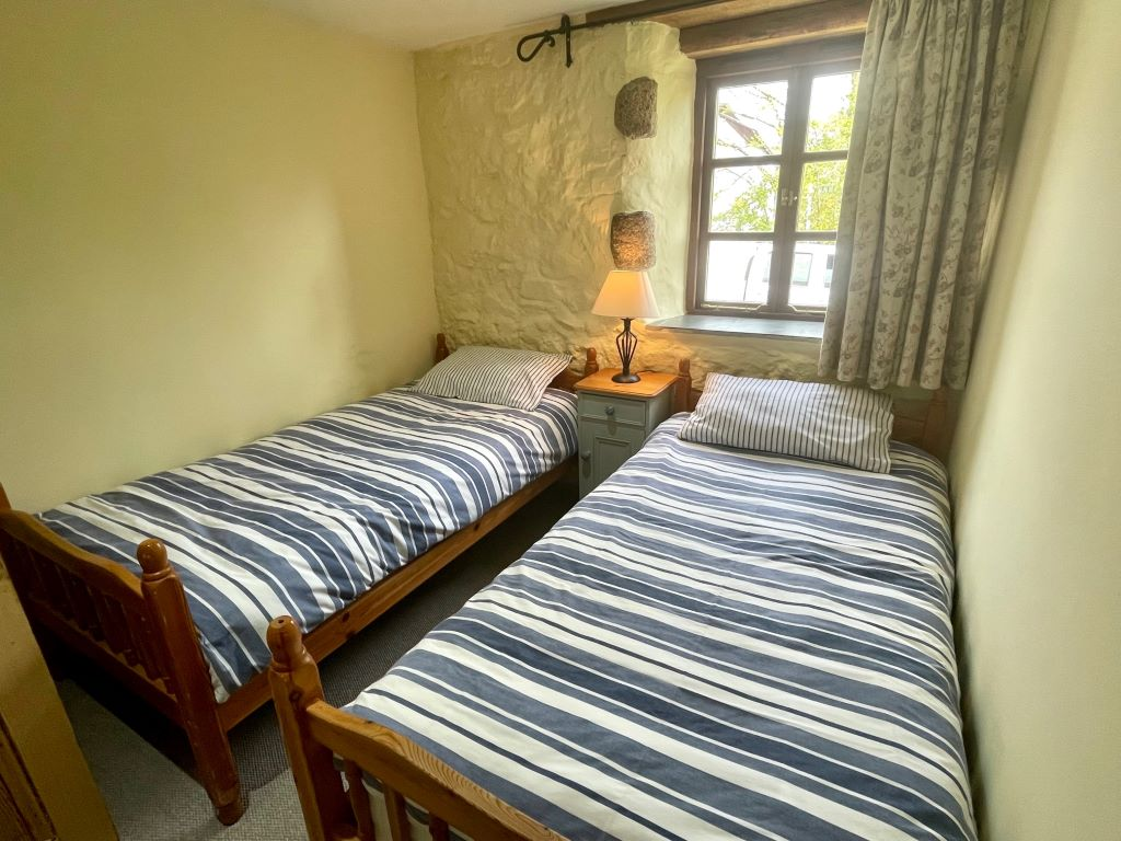 The lounge conservatory area
