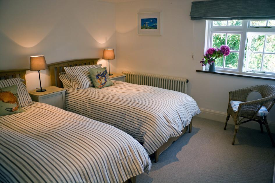 Bedroom 549