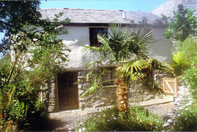 Priory Cottage exterior (2)