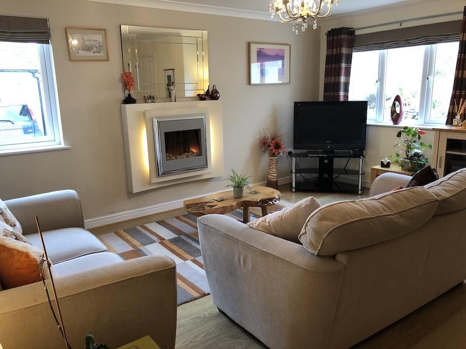 Lowena lounge