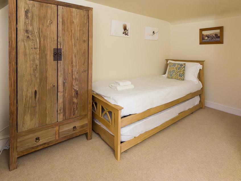 Japonica Single bedroom