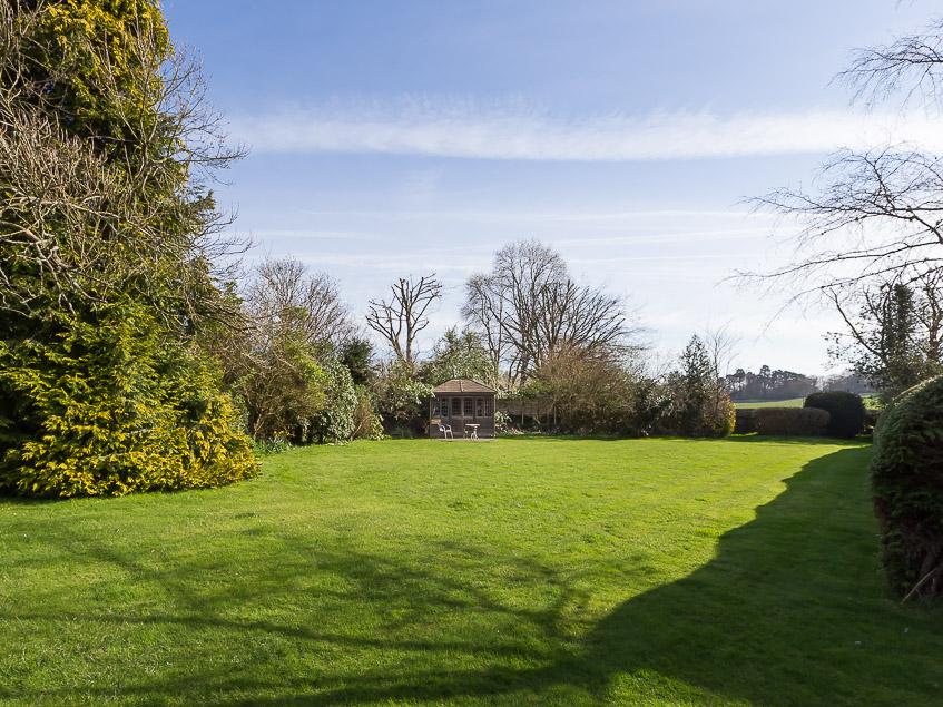 Japonica rear garden plus summerhouse