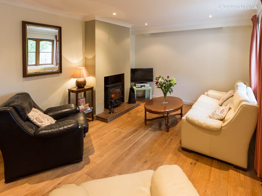 Woodland Cottage - Lounge
