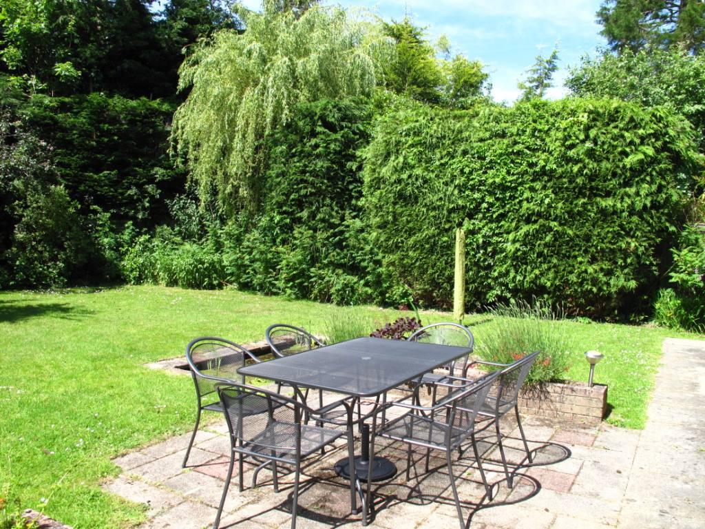 Hunters Retreat new rear garden1