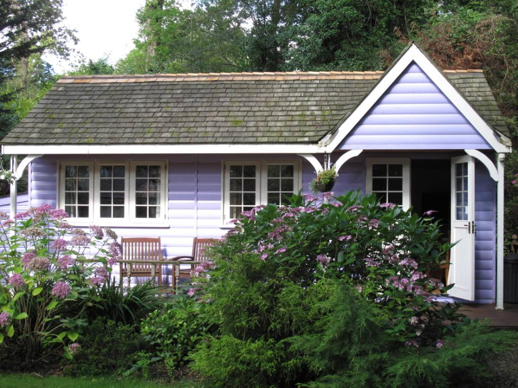 Lilac Lodge Front